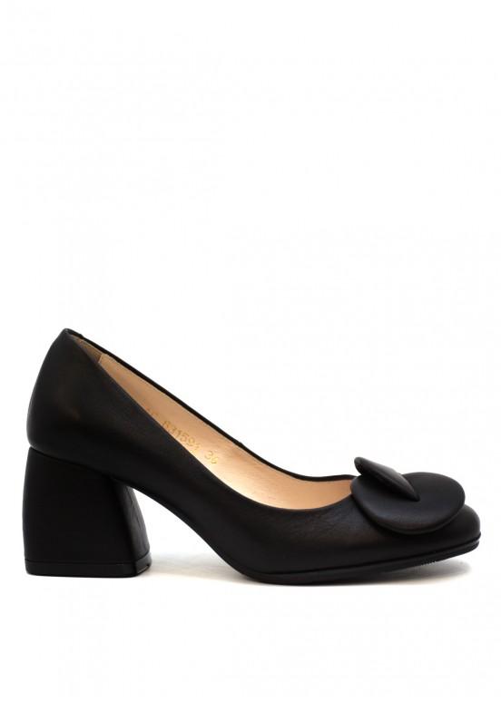 631591 Кожаные черные туфли