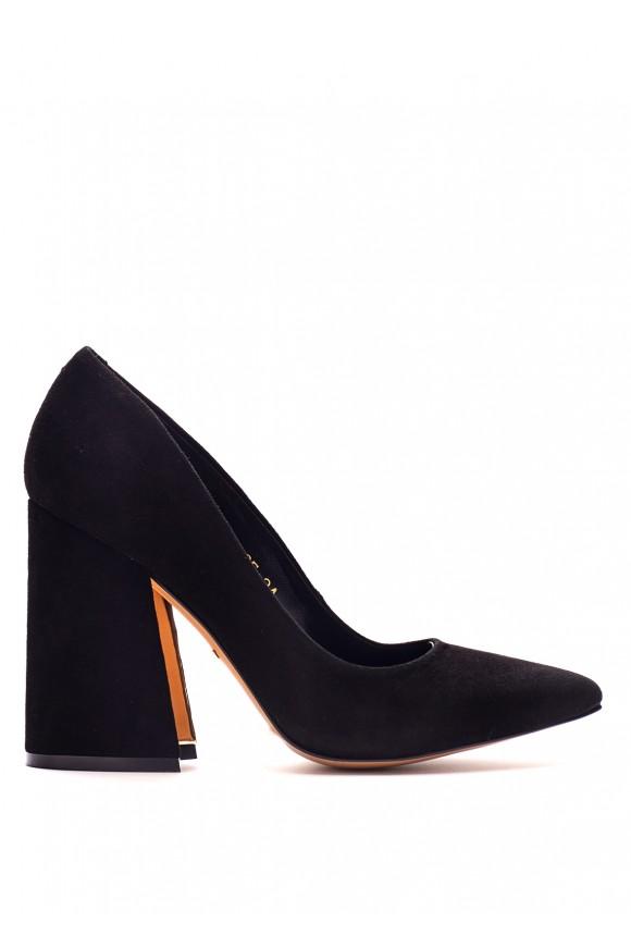 Замшеві чорні туфлі