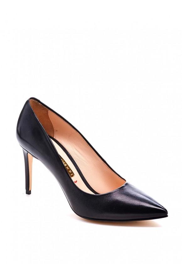 Шкіряні чорні туфлі