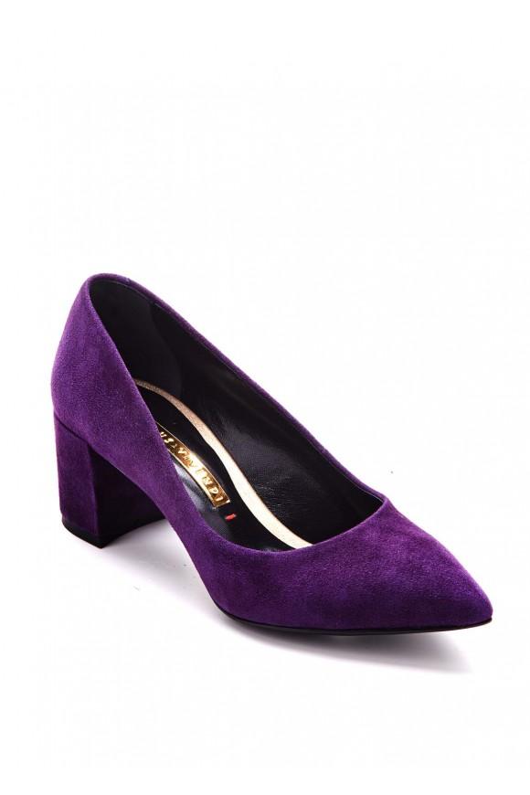 Туфлі на середньому каблуці