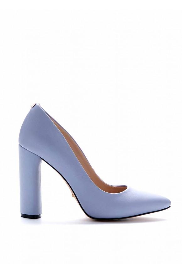 Туфлі на високих підборах блакитного кольору