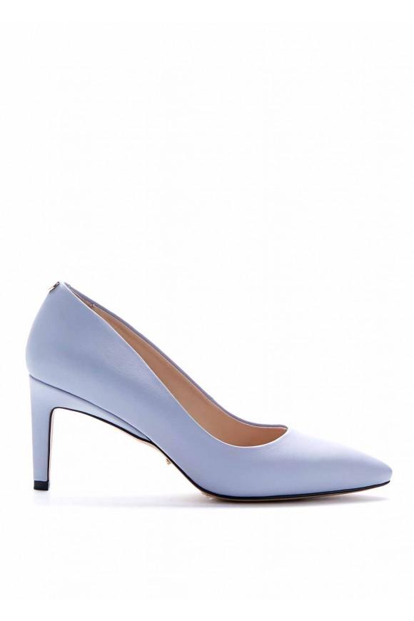 Туфлі на середньому каблуці блакитного кольору