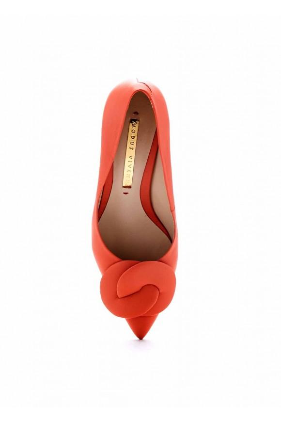 Удобные туфли на среднем каблуке